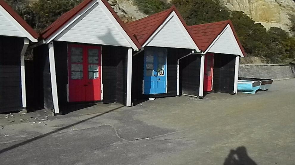 <b>beach-huts-located-at-alum-chine.JPG</b> <br/> Beach Huts in Alum Chine