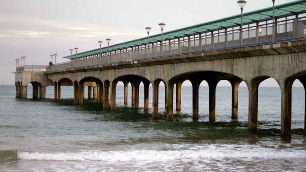 <b>boscombe-east-beach3.jpg</b> <br/> Boscombe Pier from the eastern side