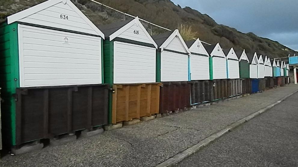 <b>boscombe-manor-steps-beach-huts.jpg