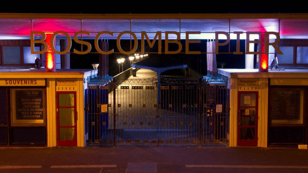 <b>boscombe-pier2.jpg